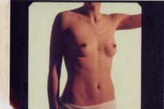 32-bellybuttongirlnotoothpaste